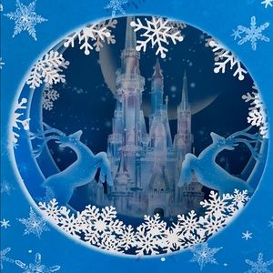 NWT Christmas Castle pop up box greeting Card